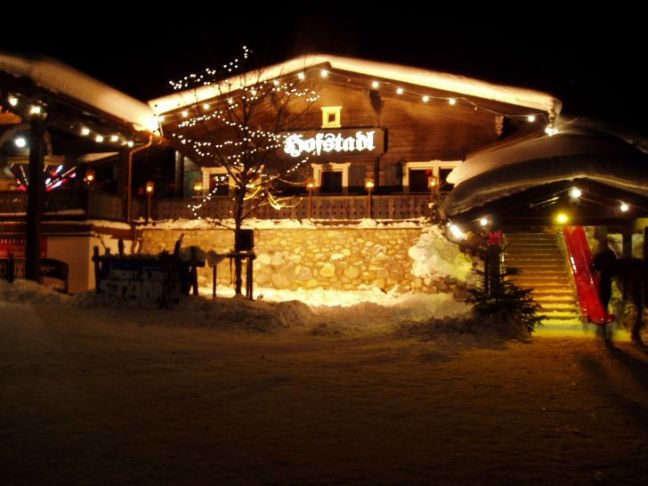 De hofstadl is DE apres ski tent van Oostenrijk.