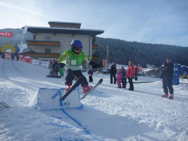 kinderen hebben veel plezier bij Skischool Fischi in Flachau